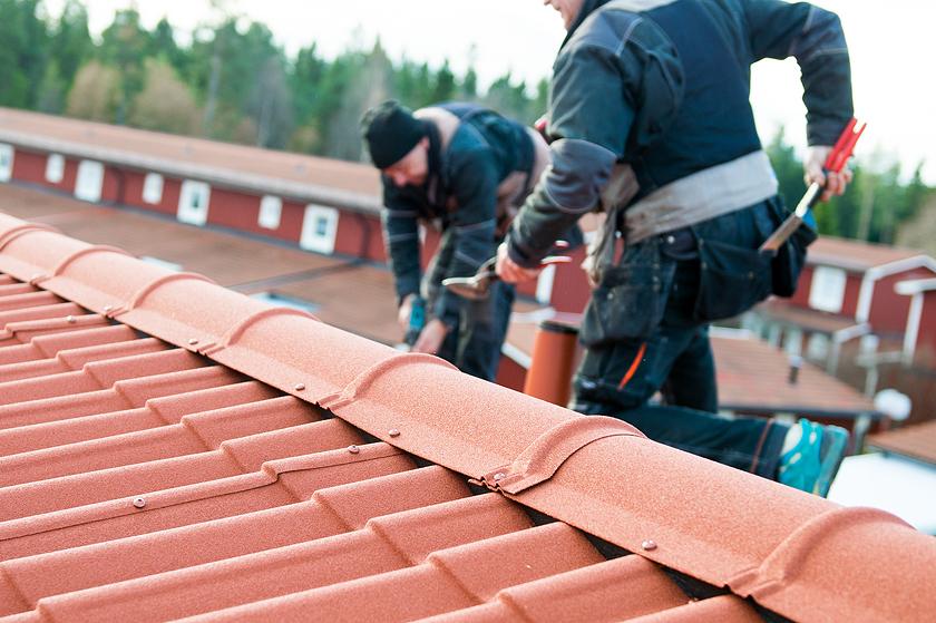 Hantverkare på tak