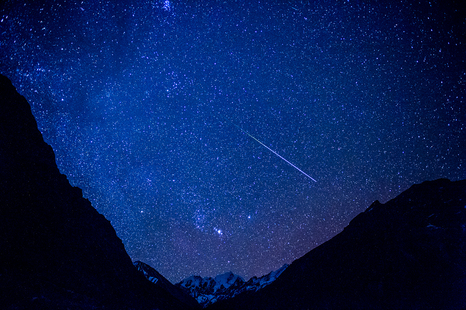 Starry nightsky in Himalaya, shooting star